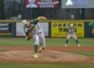 14M_0413-Oregon-Ducks-Baseball-Matt-Krook